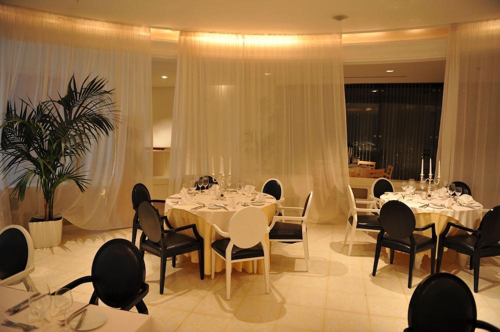 https://i.travelapi.com/hotels/2000000/1650000/1648200/1648199/dea20180_z.jpg
