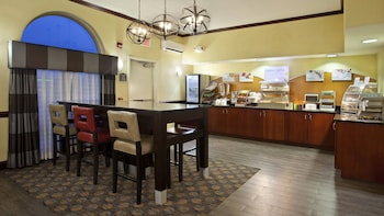 Hotel - Holiday Inn Express & Suites Allentown West
