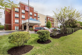 Comfort Suites Murfreesboro photo