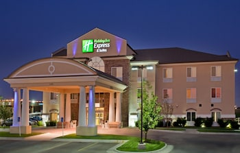 Hotel - Holiday Inn Express & Suites Wichita Airport
