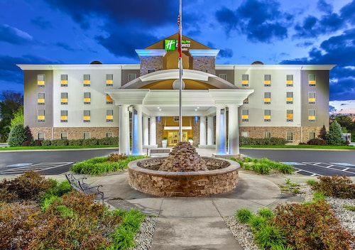 . Holiday Inn Express & Suites Morristown, an IHG Hotel