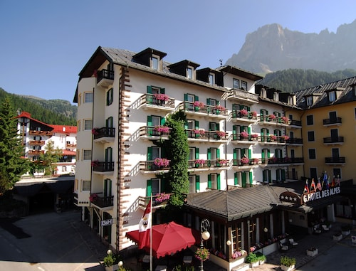 __{offers.Best_flights}__ Grand Hotel des Alpes