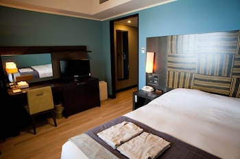 ダブルルーム  18平米 禁煙 18㎡ ホテルモントレ ラ・スール大阪