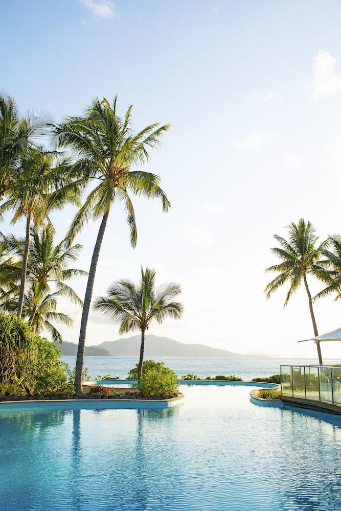https://i.travelapi.com/hotels/2000000/1660000/1654000/1653902/6b93ad52_z.jpg