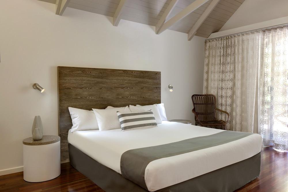 https://i.travelapi.com/hotels/2000000/1660000/1654000/1653902/8081c3be_z.jpg