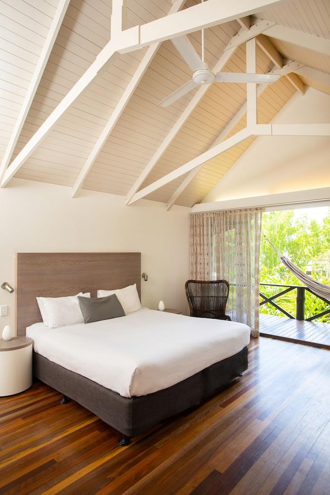 https://i.travelapi.com/hotels/2000000/1660000/1654000/1653902/b9257ec9_z.jpg