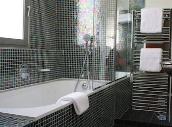 Hotel Le Café de Paris - Bathroom  - #0