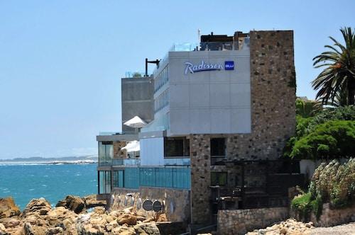 . Radisson Blu Acqua Hotel & Spa Concon