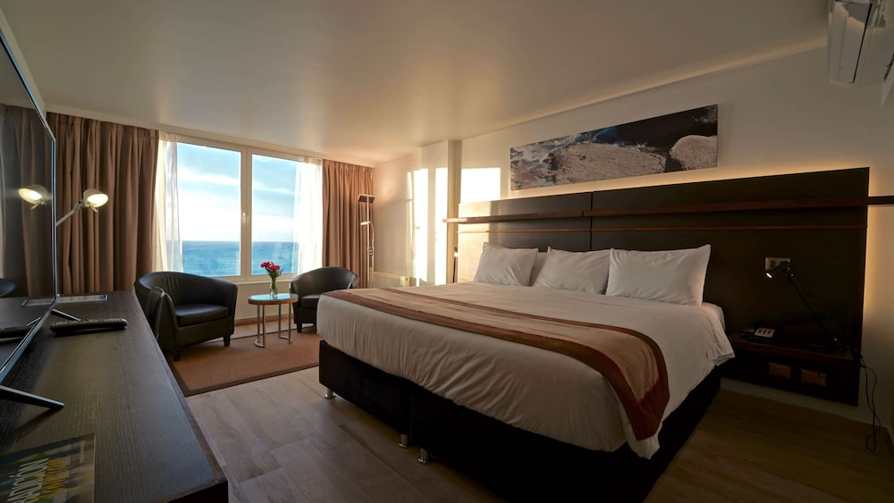 https://i.travelapi.com/hotels/2000000/1660000/1658100/1658063/5320f40a_z.jpg