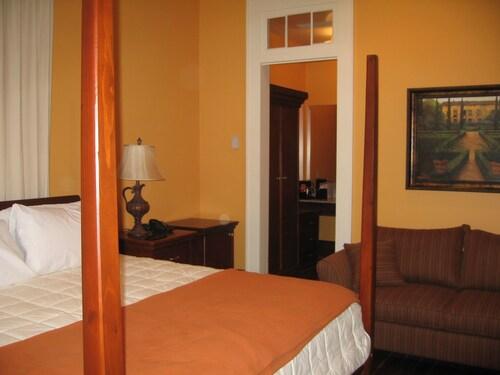 Prytania Oaks Hotel, Orleans