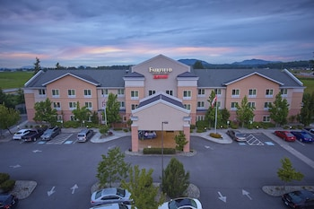 伯靈頓萬豪費爾菲爾德套房飯店 Fairfield Inn & Suites by Marriott Burlington