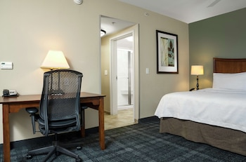 Suite, Multiple Beds, Accessible, Bathtub (Mobility & Hearing)