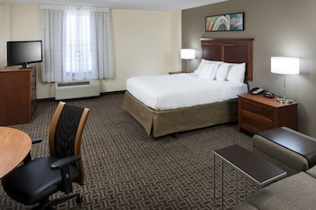 Guestroom at TownePlace Suites by Marriott Suffolk Chesapeake in Suffolk