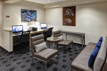 Business Center at TownePlace Suites by Marriott Suffolk Chesapeake in Suffolk
