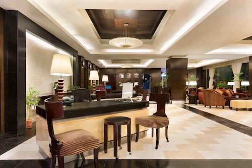 Ramada Plaza Karachi Hotel, Karachi