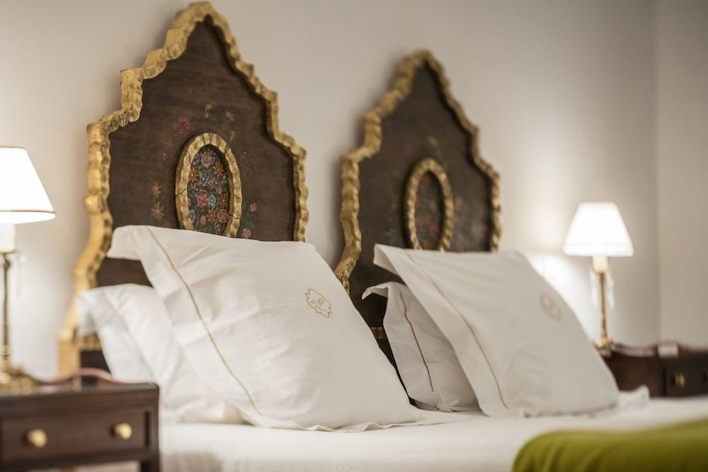 https://i.travelapi.com/hotels/2000000/1670000/1660800/1660762/429e05cc_z.jpg