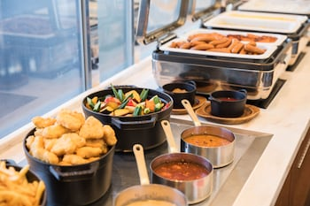 HOTEL METROPOLITAN TOKYO MARUNOUCHI Breakfast buffet