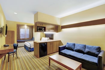 Guestroom at Baymont by Wyndham Las Vegas South Strip in Las Vegas