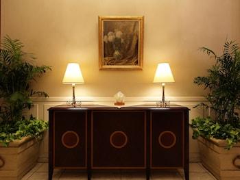 HOTEL MONTEREY LA SOEUR GINZA Interior Detail