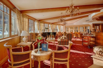 Alpenpalace Deluxe Hotel & Spa Resort - Hotel Bar  - #0