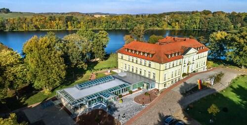 . Seeschloss Schorssow