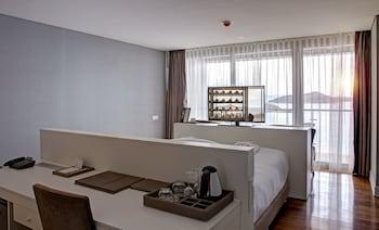 Deluxe Tek Büyük Yataklı Oda, 1 Çift Kişilik Yatak, Deniz Manzaralı