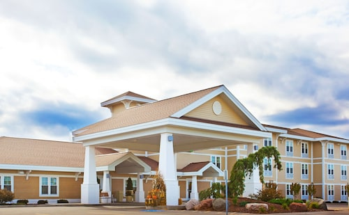 . Holiday Inn Express Hotel & Suites Iron Mountain, an IHG Hotel