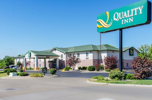 . Quality Inn Junction City - Near Fort Riley