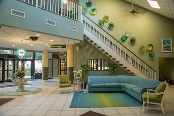 Lobby Sitting Area at Beach Cove Resort in North Myrtle Beach