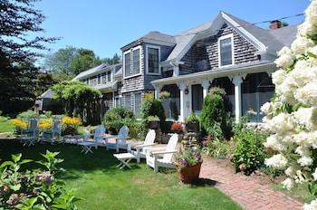 Honeysuckle Hill Inn