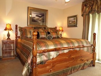 Foxtrot Bed and Breakfast - Guestroom  - #0