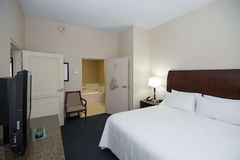 Suite, 1 King Bed, Accessible, Non Smoking (Hearing Impaired)