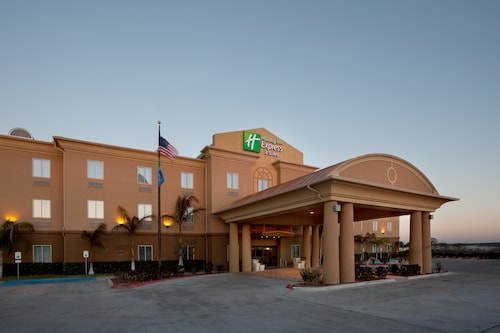 . Holiday Inn Express & Suites Zapata, an IHG Hotel