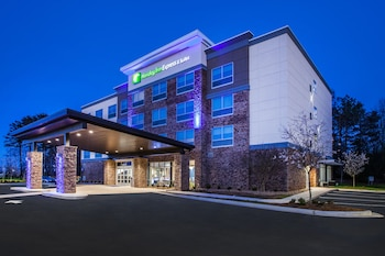 Holiday Inn Express Radcliff-Fort Knox photo