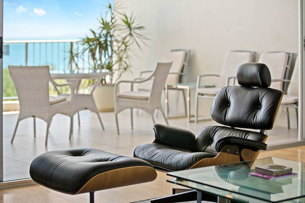 https://i.travelapi.com/hotels/2000000/1680000/1674800/1674760/4931fb1a_z.jpg