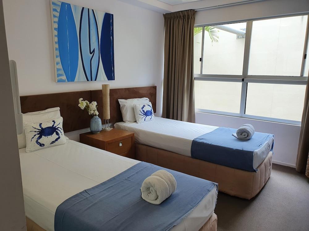 https://i.travelapi.com/hotels/2000000/1680000/1674800/1674760/57295e43_z.jpg