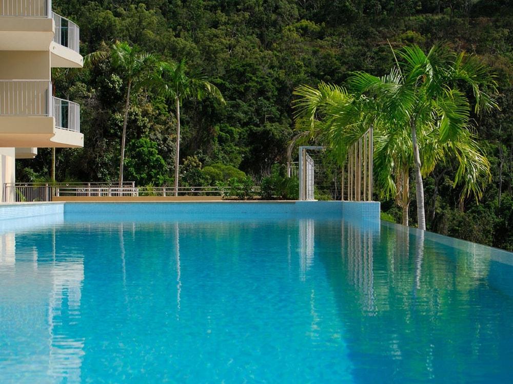 https://i.travelapi.com/hotels/2000000/1680000/1674800/1674760/97c35623_z.jpg