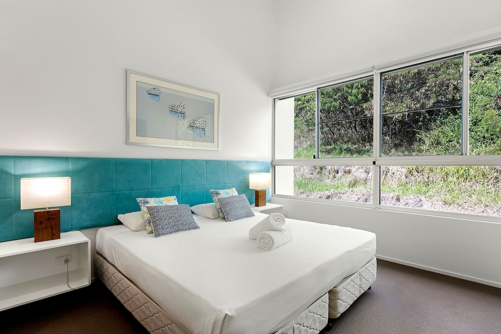 https://i.travelapi.com/hotels/2000000/1680000/1674800/1674760/fb0ae947_z.jpg