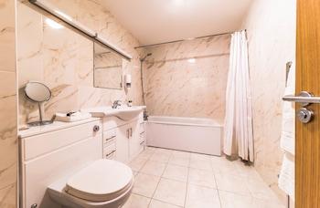 Baylis House - Bathroom  - #0