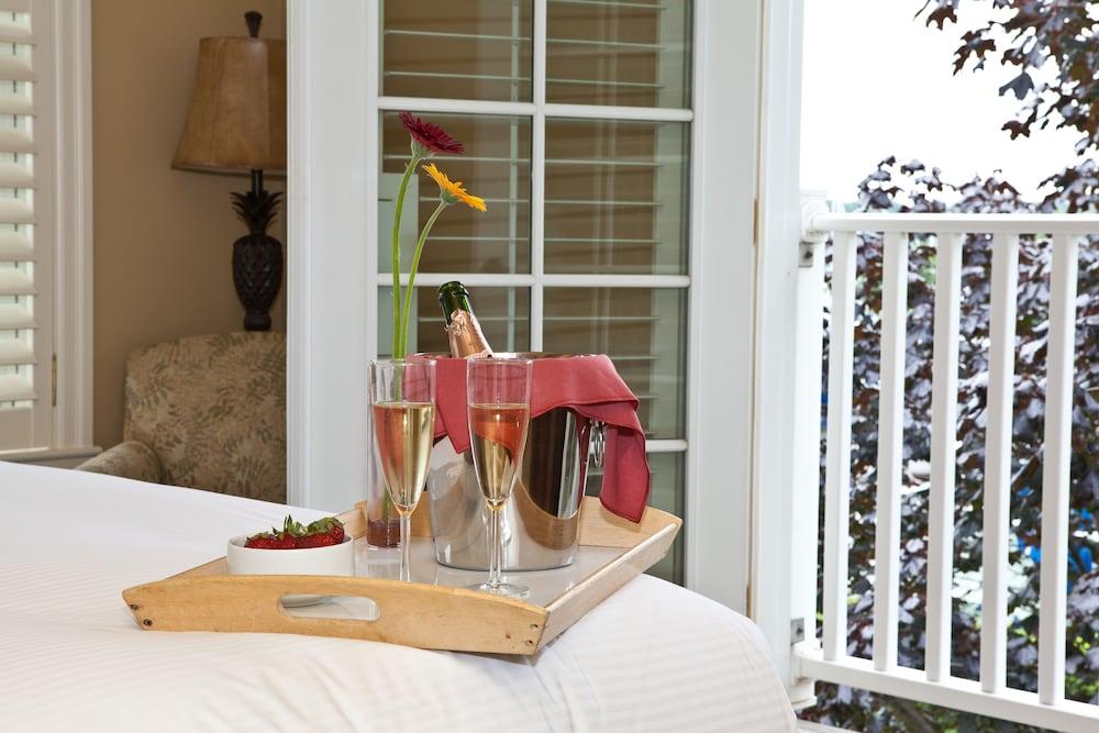 https://i.travelapi.com/hotels/2000000/1680000/1676000/1675928/d5922298_z.jpg