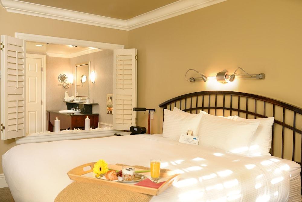 https://i.travelapi.com/hotels/2000000/1680000/1676000/1675928/f55331f4_z.jpg