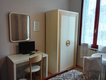 Economy Single Room, Shared Bathroom