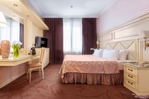. Hotel Milan