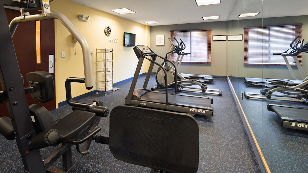 Health and Fitness : Fitness Facility 25 of 76