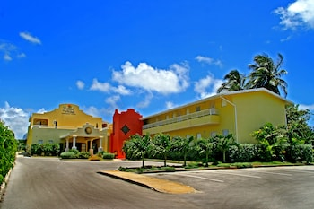 Hotel - Tropical Winds Apartment Hotel