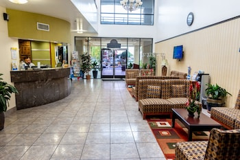 Hotel - Days Inn & Suites by Wyndham Artesia