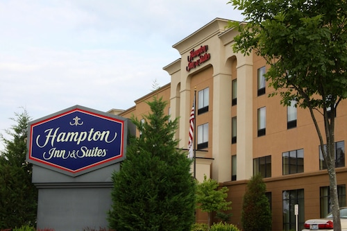 . Hampton Inn & Suites Paducah