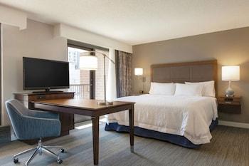 Suite, 1 King Bed, Bathtub, Corner