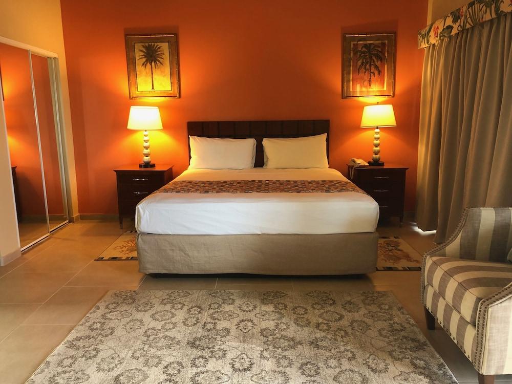 Carls Unique Inn