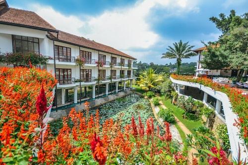. Mahaweli Reach Hotel